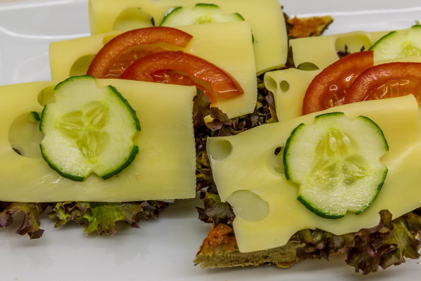 odeon-partyservice-canape-mit-kaese